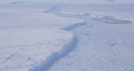 A close-up view of the rift separating Pine Island Glacier and iceberg B-46, as seen on an Operation IceBridge flight on November 7, 2018. Credits: NASA/ Brooke Medley