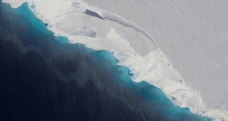 Thwaites Glacier. Credits: NASA/OIB/Jeremy Harbeck